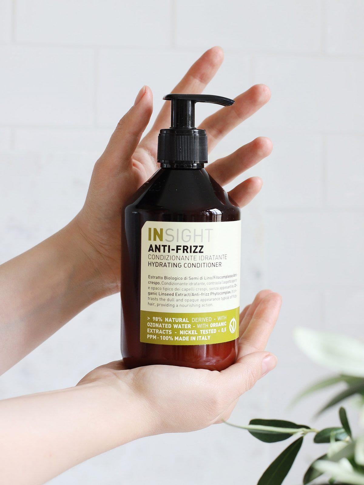 odżywka zapobiegająca puszeniu się włosów, odżywka zapobiegająca puszeniu się, odżywka nawilżająca, odżywka do włosów kręconych, odżywka do włosów falowanych, odżywka zapobiegająca puszeniu się włosów insight, odżywka zapobiegająca puszeniu się włosów insight anti frizz, odżywka insight anti frizz, odżywka przeciw puszeniu się włosów