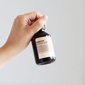 szampon sensitive, szampon do wrażliwej skóry, szampon do podrażnionej skóry, szampon do wrażliwej skóry głowy, naturalny szampon, szampon insight sensitive