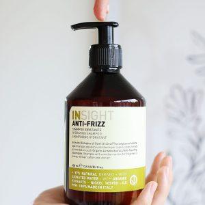 szampon zapobiegający puszeniu się włosów, szampon zapobiegający puszeniu się, szampon nawilżający, szampon do włosów kręconych, szampon do włosów falowanych, szampon zapobiegający puszeniu się włosów insight, szampon zapobiegający puszeniu się włosów insight anti frizz, szampon insight anti frizz, szampon przeciw puszeniu się włosów